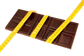 Горький шоколад: его польза и вред, употребление при похудении