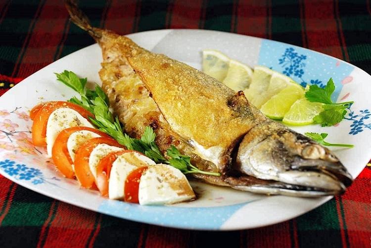 Запеченная скумбрия - рецепт приготовления полезной рыбы