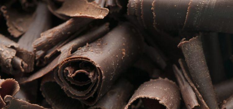 Горький шоколад: польза и вред, противопоказания, применение в различных областях