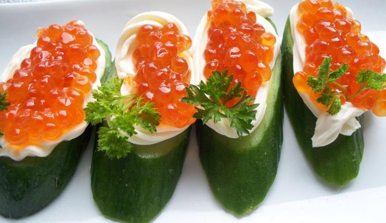 Полезные свойства красной икры, польза, вред, калорийность деликатеса