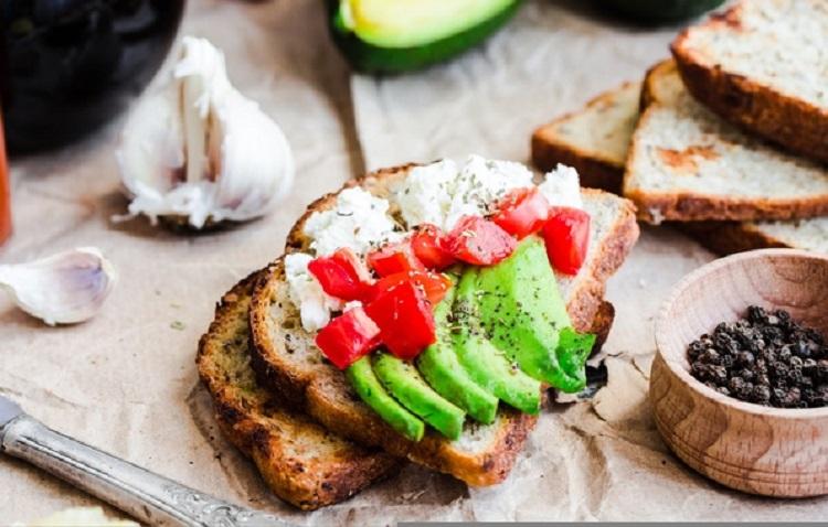 Несколько интересных рецептов приготовления полезных блюд из авокадо
