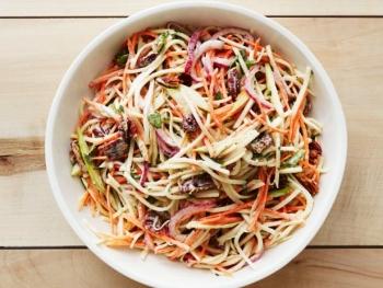Кольраби: польза и вред, рецепт приготовления салата
