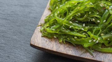 Водоросли вакаме и салат чука: полезные свойства и противопоказания, области и нормы применения