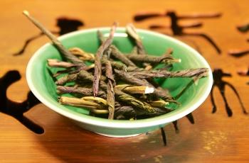 Чай кудин: польза и вред, советы врачей и показания к употреблению