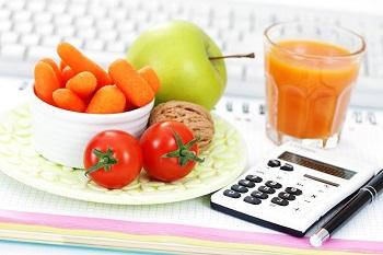 Как рассчитать калорийность блюд при соблюдении диеты 1300 Ккал в денбь