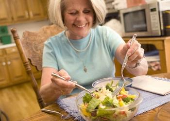 Здоровое питание для женщины 60 лет - примерное меню, показания и противопоказания к применению диет